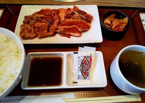コロナ禍で脚光を浴びる「お肉屋さんのひとり焼肉 ダイリキ 若江岩田駅前店」